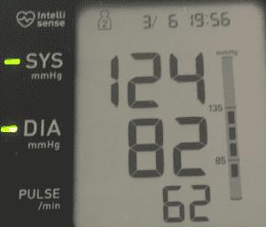 Blutdruckmessgerät Display mit guten Werten