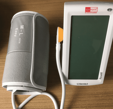 Aponorm Professionell Touch - Front Ansicht mit Manschette